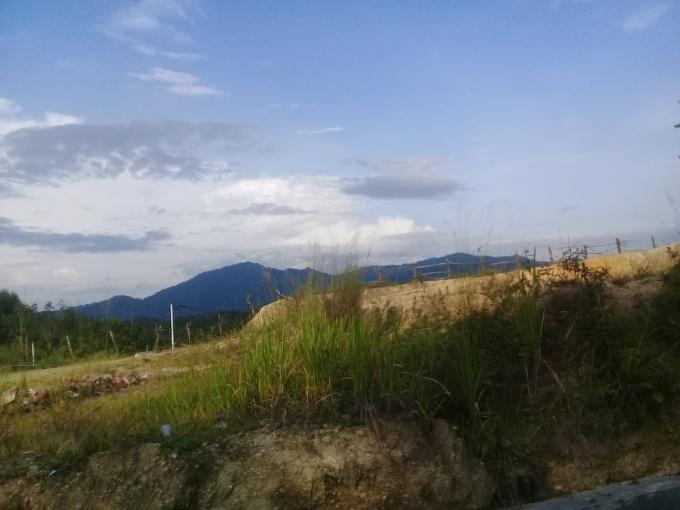 Mari, menikmati pemandangan alam